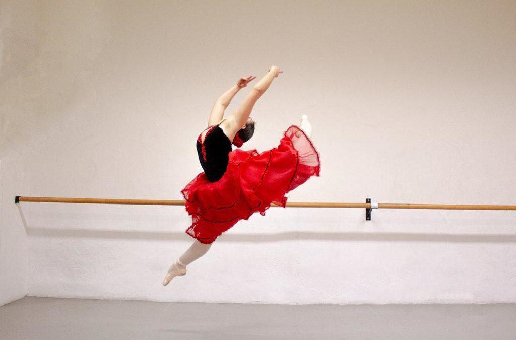 """""""Fiori d'acciaio"""". Alfa Ballet tra passione e magia"""
